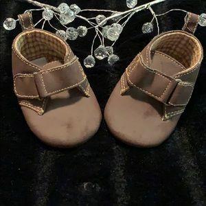🛍 Baby Gap - Newborn Shoes
